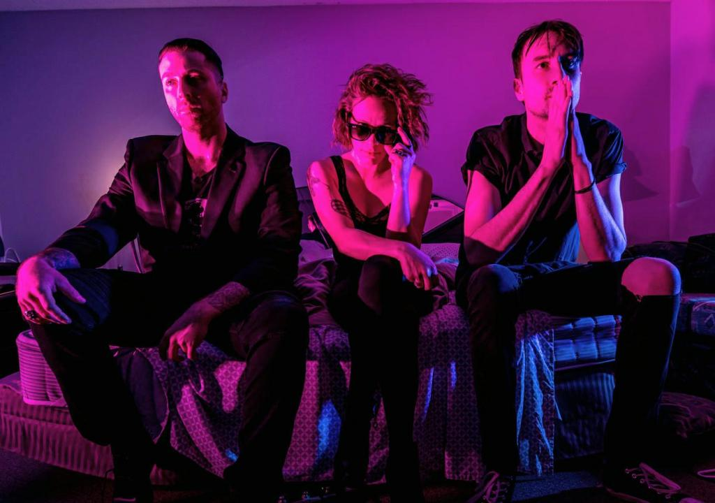 Hot Lips band photo shoot Keith Heppler, Karli Forget, Alex Black